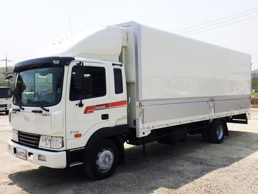 현대 메가트럭5톤 냉장윙바디 단발이 길이700 광폭 높이2400 2009년3월