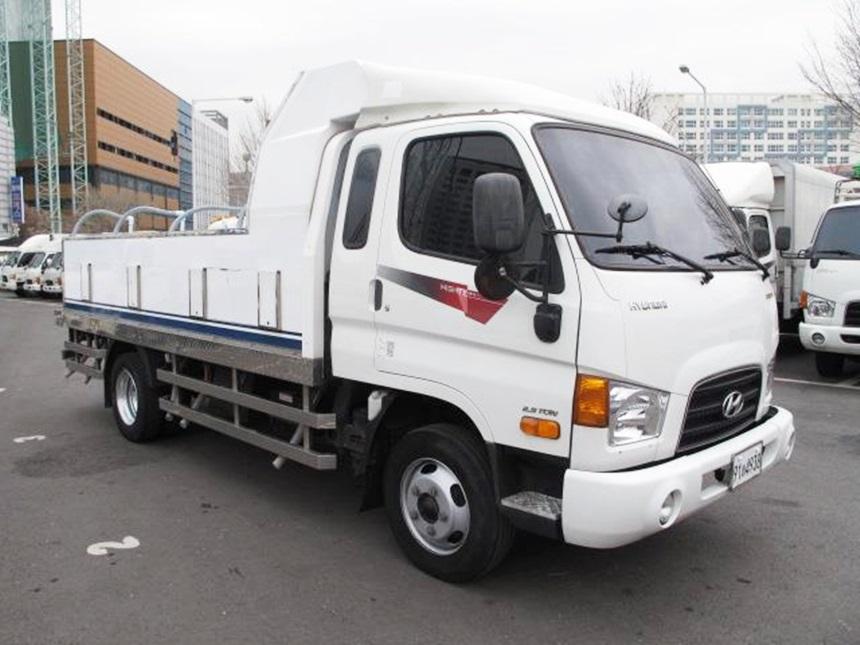 이마이티 2.5톤 정품활어차 입니다. 2014년 9월이며 14만 무사고 슈퍼캡 골드모델